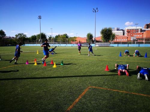 En el campo entrenando