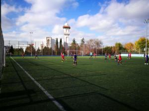 En el Campo San Pascual practicando el futbol
